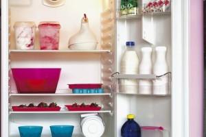 冰箱不是食品的保险箱使用不当很容易造成食物中毒