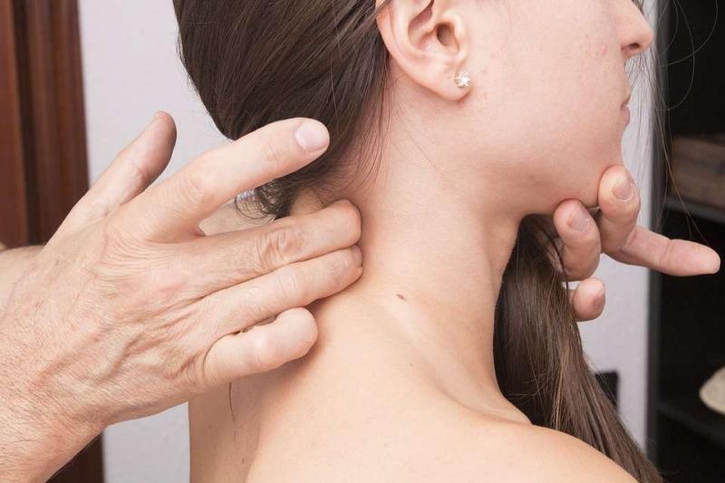 起床后后背疼痛脖子痛的病因后背疼痛脖子痛怎么办